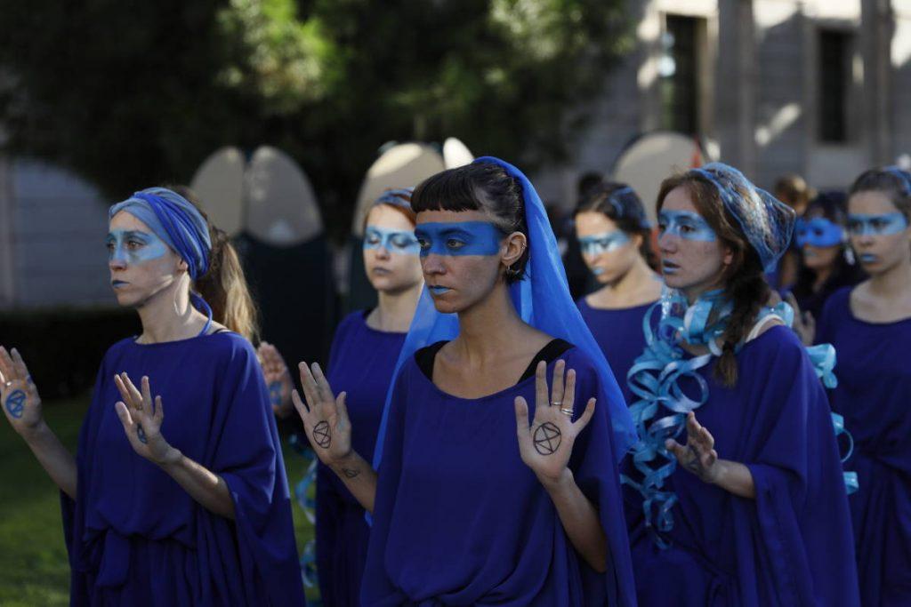 La Blue Bridage de XR Barcelona en Madrid