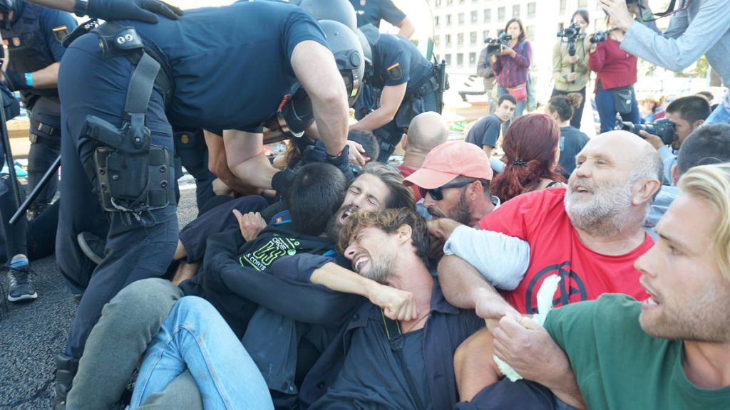Policia desallotgen rebels a Madrid