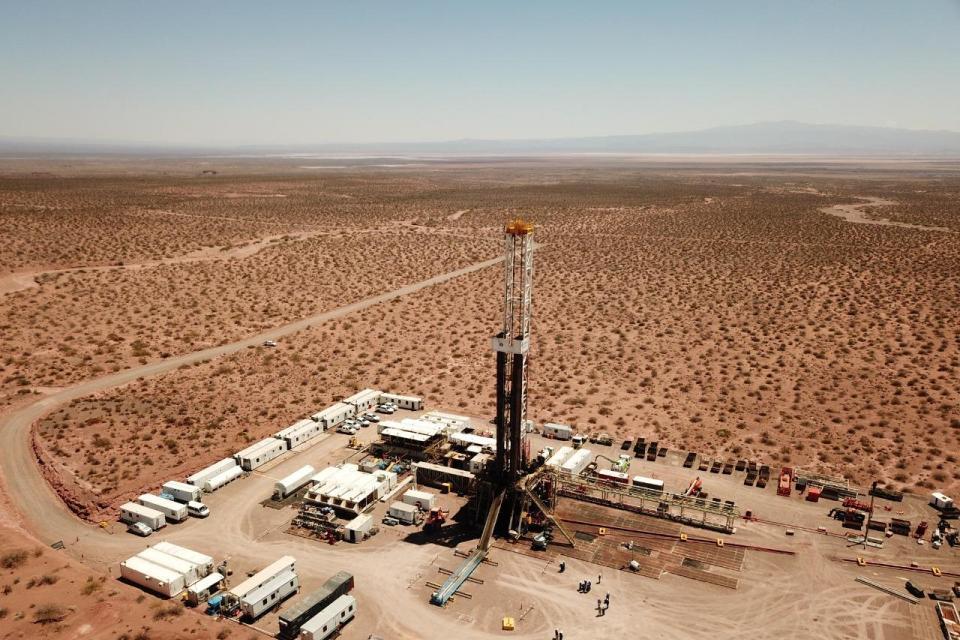 Bandurria Suris a 220 km2 location in the extraction area of non-conventional oil of Vaca Muerta